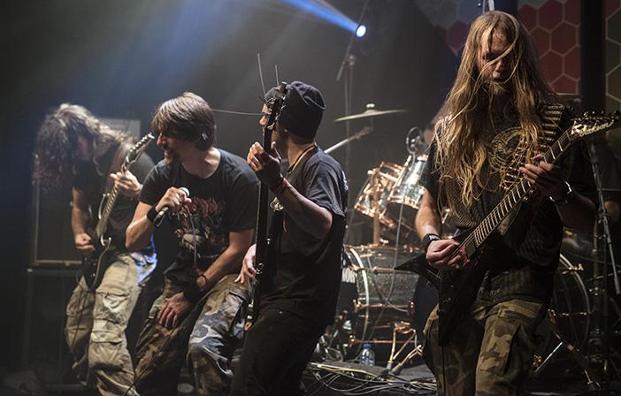 Infantry_gitarist_Kroepoekfabriek_Irene_W
