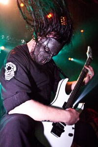 Mick_Thomson_of_Slipknot_in_2005