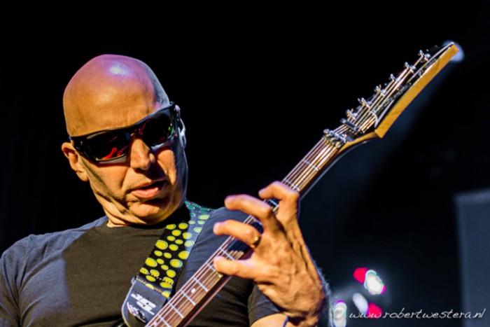 Joe Satriani-19