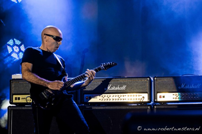 Joe Satriani-21
