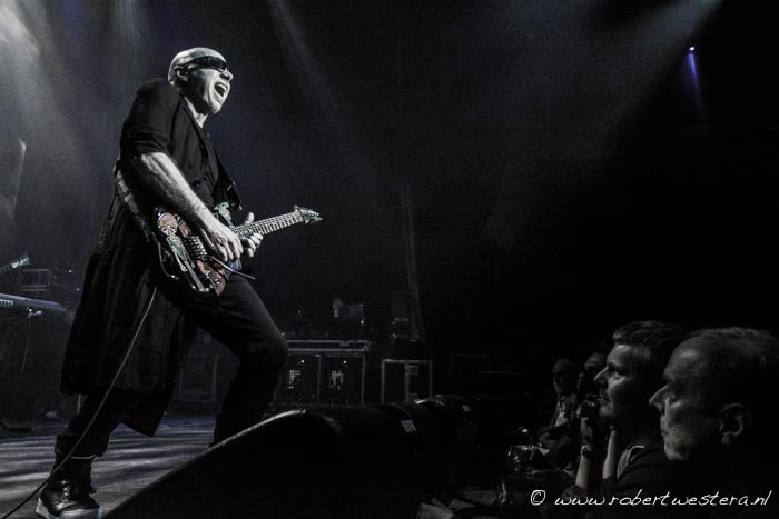 Joe Satriani-8